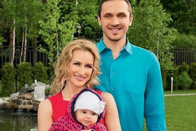 Татьяна Волосожар с мужем и дочерью