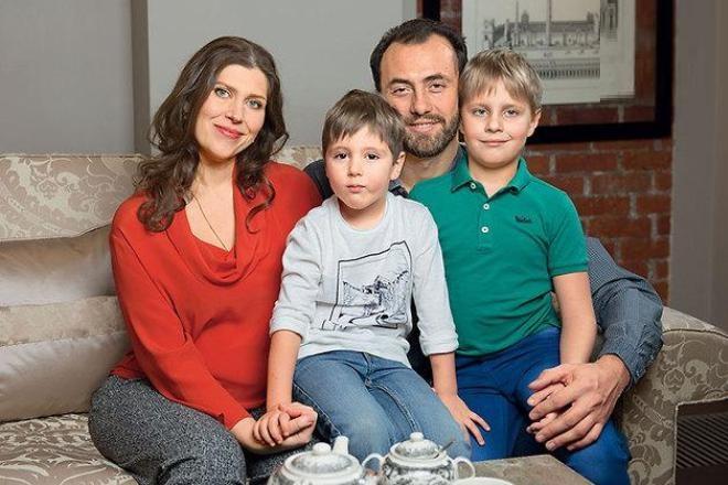Екатерина Порубель с мужем и детьми