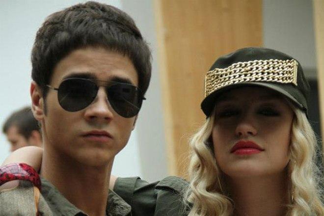 Константин Попов и Линда Табагари на съемках сериала