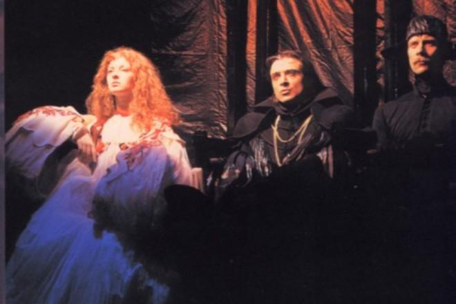 Амалия Мордвинова в спектакле