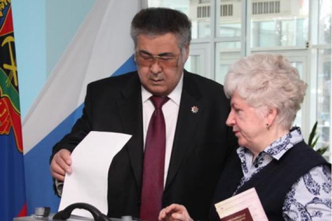 Аман Тулеев с женой