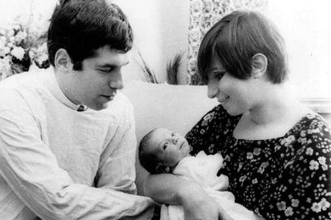 Барбара Стрейзанд и Эллиотт Гулд с сыном