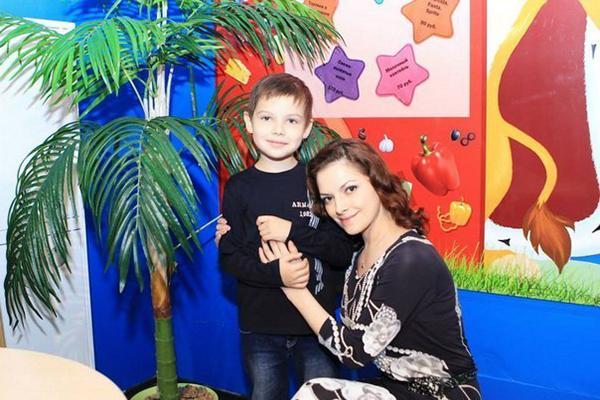 Наталья Юнникова с сыном Роланом