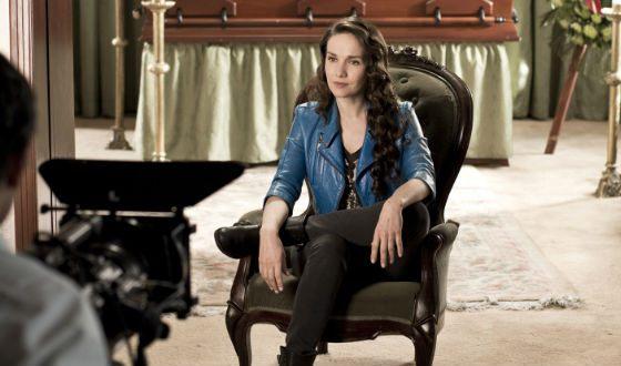 Наталья Орейро на съемках сериала «Темный ангел»