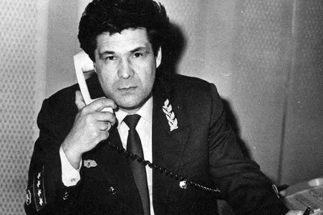 Аман Тулеев в молодости