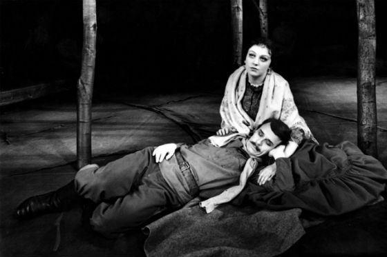 Светлана Крючкова на сцене БДТ, пьеса «Тихий Дон»