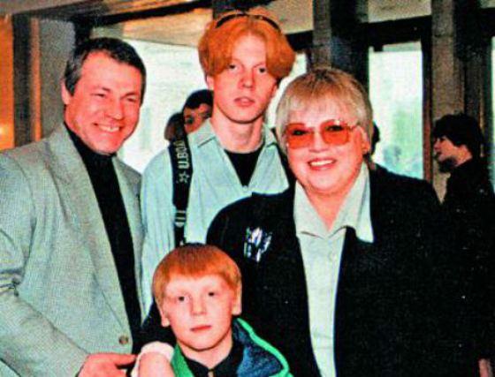 Светлана Крючкова с семьей