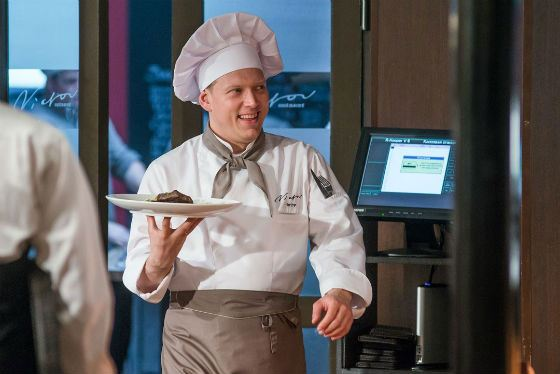 «Кухня»: Сергей Лавыгин в роли чудаковатого повара Арсения