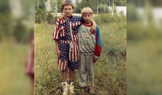 Юный Александр Овечкин и его друг детства Никита