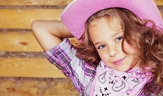 Катя Адушкина в детстве