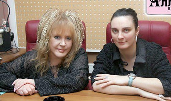 Елена Ваенга и Алла Пугачева в студии радио «Алла»