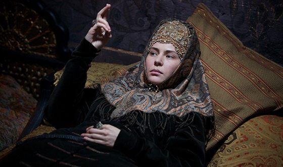 Юлия Мельникова в роли боярыни Морозовой
