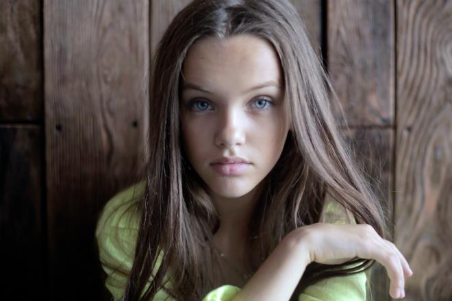 Юная певица Ангелина Романовская