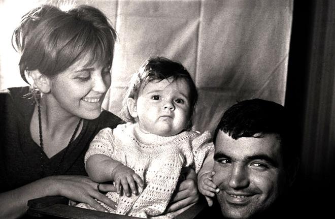 Инна Гулая и Геннадий Шпаликов с дочерью