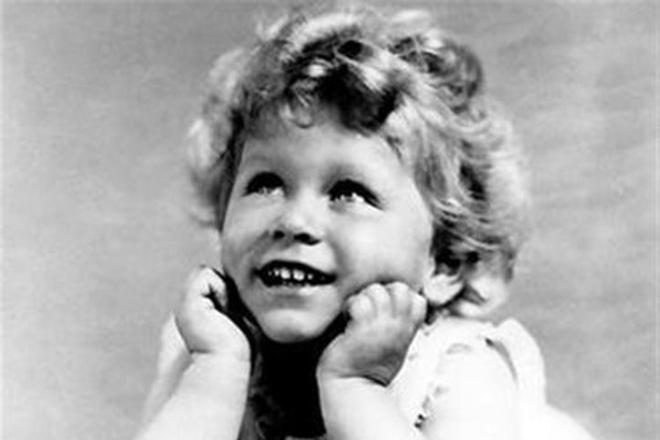 Елизавета II в детстве