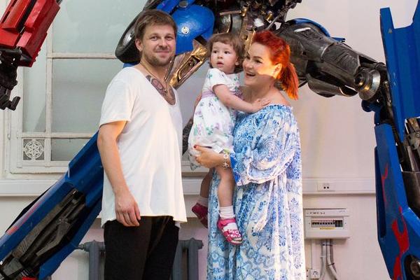 Татьяна Шаминина с мужем Егором и дочкой Сияной