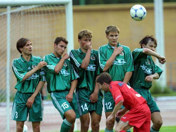 Совсем молодой Роман Широков (второй слева) в «Торпедо-ЗИЛ»