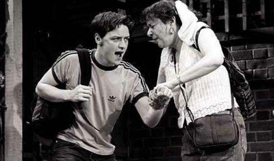 Молодой Джеймса МакЭвой в театре PACE (2001 год)