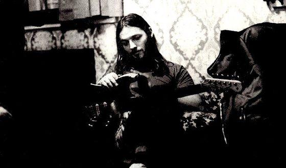 Дэвид Гилмор с гитарой