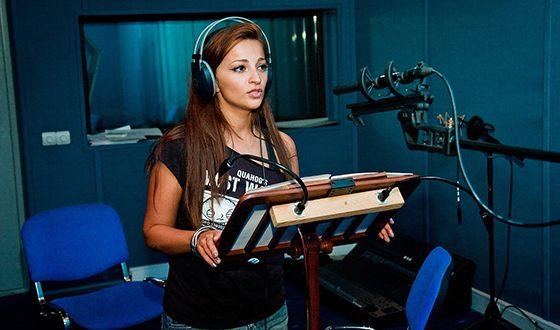 Теона Дольникова озвучила главного персонажа в мультфильме «Покахонтас»