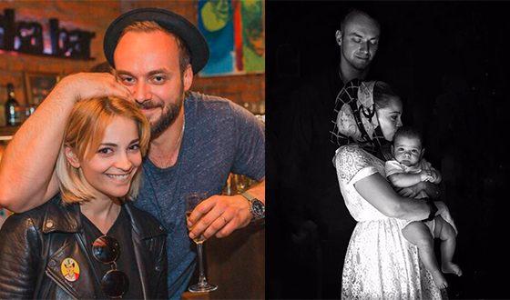 Теона Дольникова с Максимом Щеголевым и их сыном